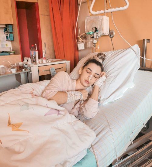 Lynn in het ziekenhuis; ik heb geen dikke darm